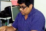 Artisan Hut -Monju Bhai at Work